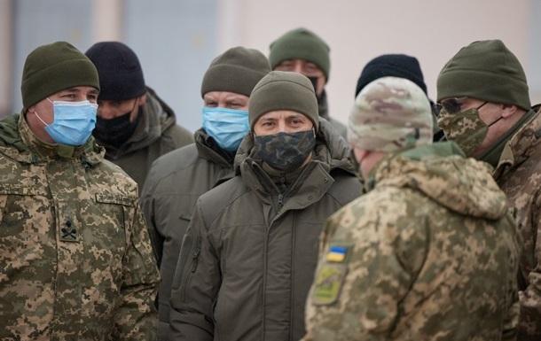 Зеленский присвоил почетные наименования ряду воинских частей