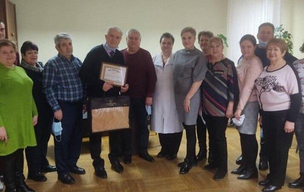 Врач из Одесской области признан старейшим хирургом Украины