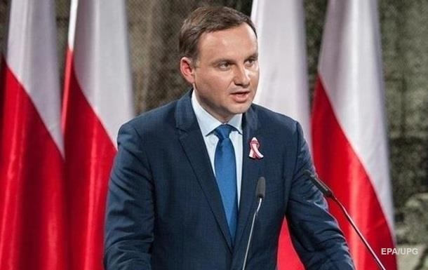 Польша разрешила привлекать украинских медиков к борьбе с COVID