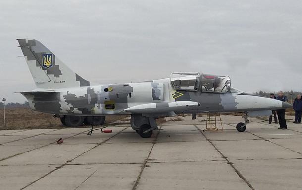 Украинские военные получили самолет с новейшим бортовым тренажером