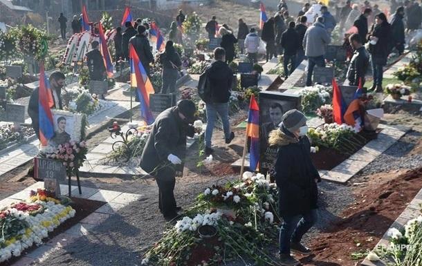 В Нагорном Карабахе нашли тела более 1100 погибших