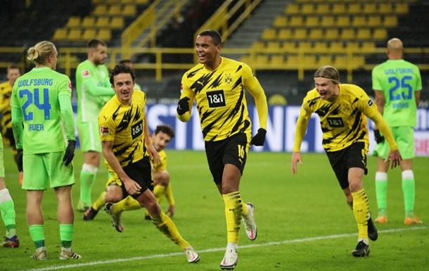 Боруссия Д обыграла Вольфсбург и поднялась в зону Лиги чемпионов