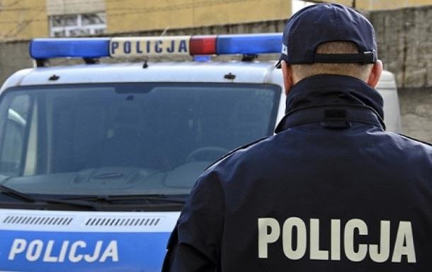 В Польше украинец напал с ножом на полицейских