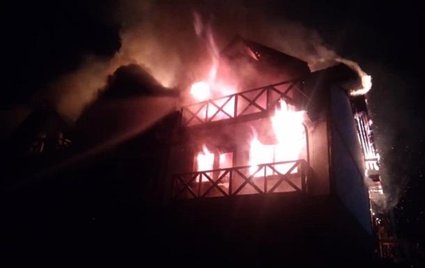 У Яремчому вночі загорівся готель