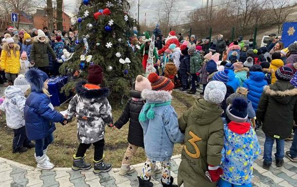 Праздник в ЖК Ривьера : Дед Мороз, подарки, мастер-класс и сотни радостных детей