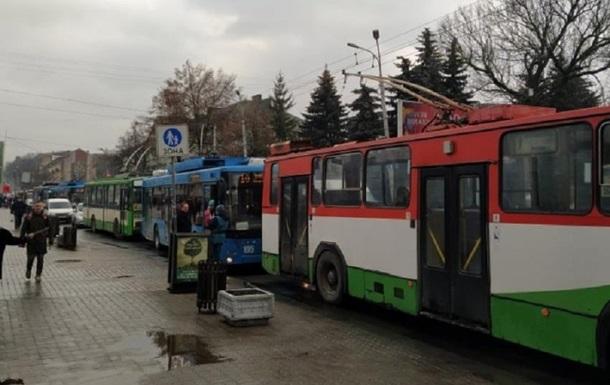 У Рівному зупинено рух усіх тролейбусів