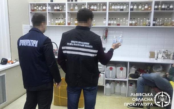 Во Львове накрыли производство поддельного антисептика