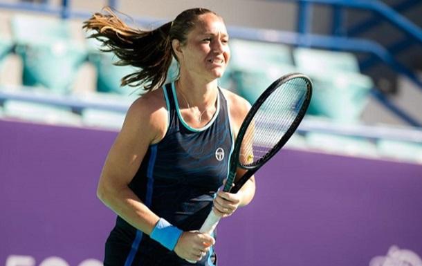 Бондаренко в трех сетах уступила во втором круге в Абу-Даби