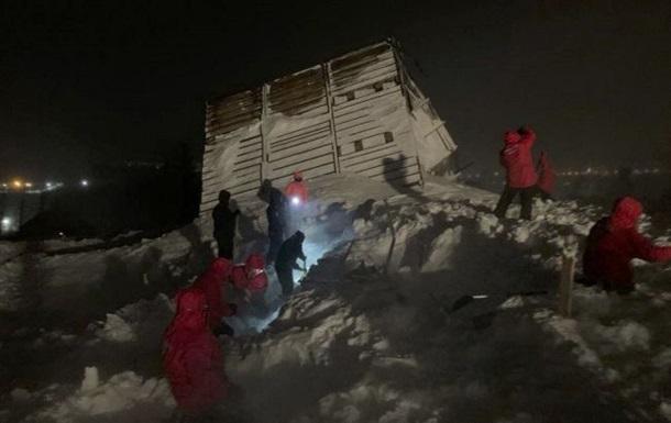 У Росії три людини загинули при сходженні лавини