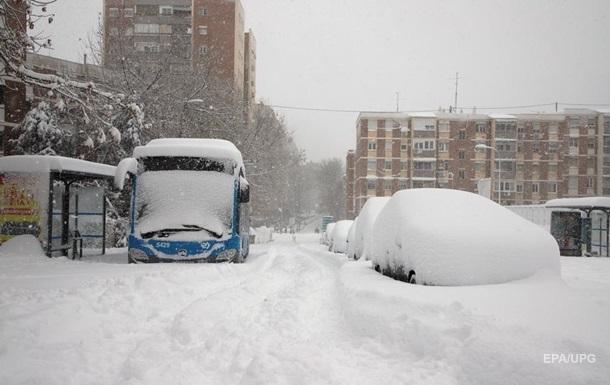 В Испании из-за снежной бури погибли три человека