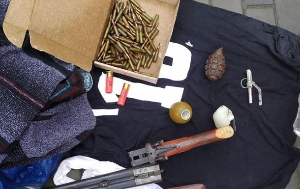 У жителя Херсона изъяли оружие, гранаты и патроны
