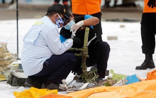 Авіакатастрофа в Індонезії: знайдені чорні скриньки