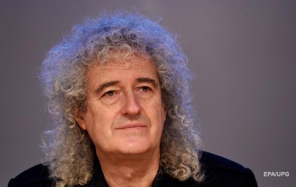 Гитарист Queen выпустил духи с запахом барсука