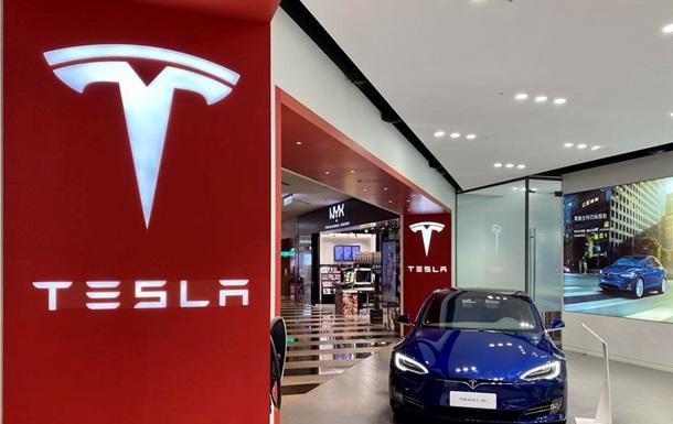 В США обязали Tesla отозвать 158 тысяч электромобилей - СМИ