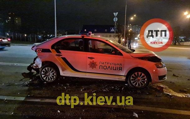 У Києві п яний водій протаранив авто патрульних, є постраждалі