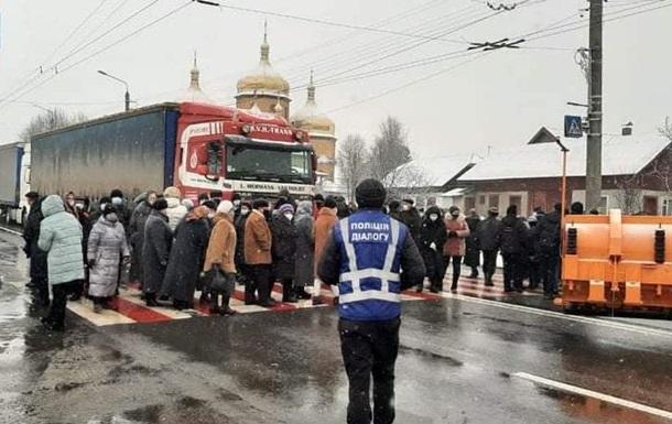 Тарифные протесты продолжаются, несмотря на решение Кабмина