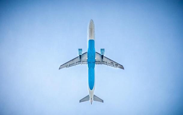 Пассажиропоток аэропортов Украины сократился на 64,4% за год