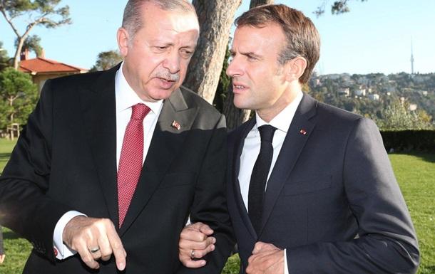 Макрон предложил Эрдогану помириться - Анкара
