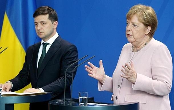 Зеленский обсудил с Меркель поставку COVID-вакцин