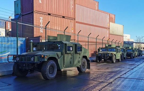 США доставили в Украину более ста единиц военной техники