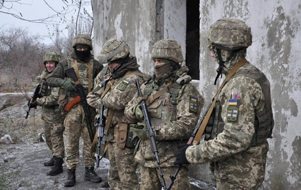 Сутки в ООС: пять обстрелов, ранен военный