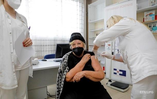 До Сербії доставили один мільйон доз китайської вакцини від коронавірусу