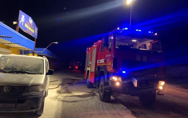 В Киевской области произошел масштабный пожар на рынке