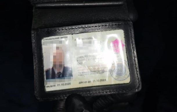 У Києві затримали поліцейського на хабарі в $10 тисяч