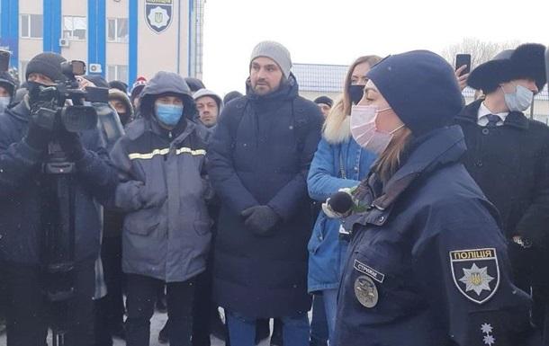 В Харькове  евробляхеры  пикетировали управление полиции