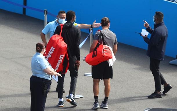 Двоє гравців, які приїхали на Australian Open, заразилися коронавірусом