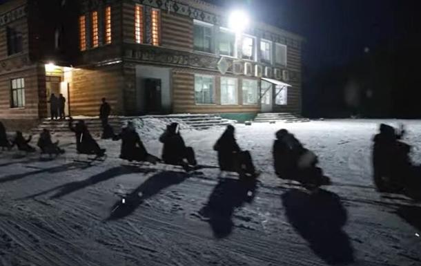 На Хмельнитчине побили рекорд 'поезда' из санок