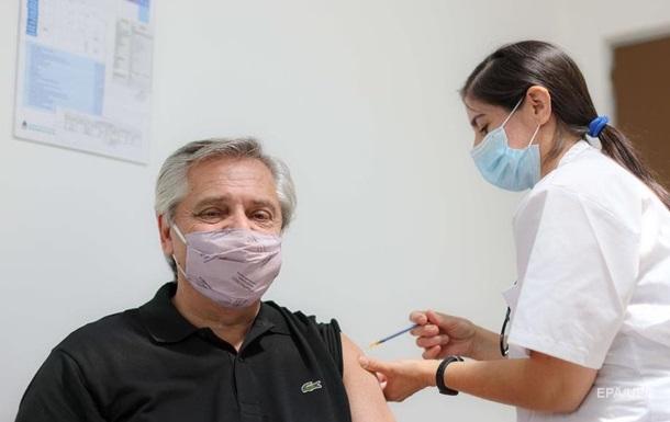 Президент Аргентины привился вакциной Спутник V