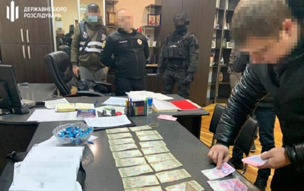 Поліцейський начальник на Харківщині  кришував  вирубку лісу - ДБР