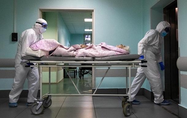 В Украине больными коронавирусом перегружена треть COVID-больниц