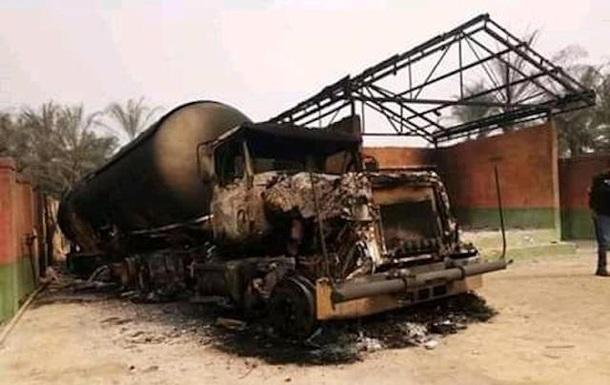 У Нігерії при вибуху машини з газом згоріли 30 осіб
