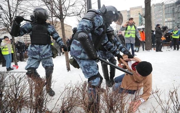 Киев отреагировал на разгон протестующих в России