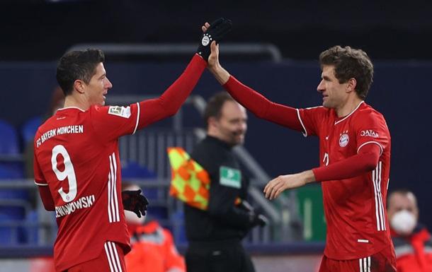 Бавария укрепила лидерство в Бундеслиге победой над Шальке