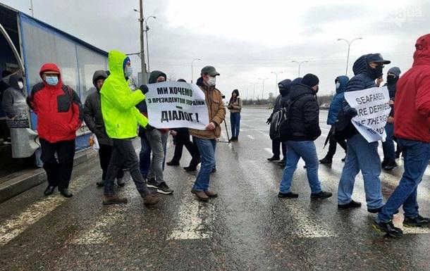 В Одесі моряки-протестувальники перекрили трасу