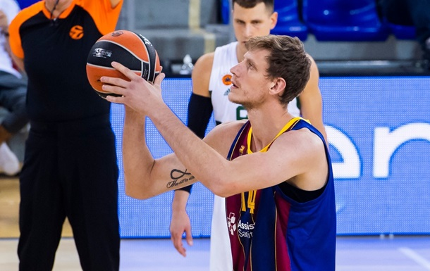 Пустовий став одним із найкращих в команді у переможному матчі Барселони