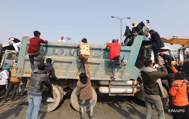 В Индии фермеры устроили беспорядки