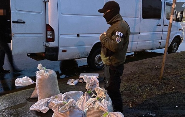 СБУ изъяла на Волыни 180 килограмм янтаря