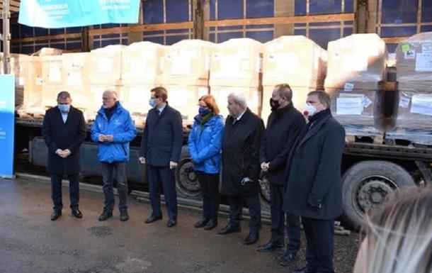 Украина получила от Венгрии 50 аппаратов ИВЛ