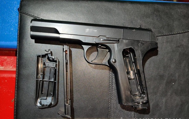 В Ізмаїлі підліток обстріляв з пістолета двох однолітків