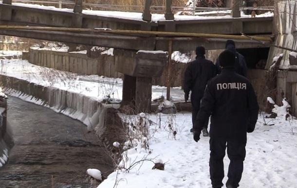 В Киеве в реке Лыбедь нашли тело военного