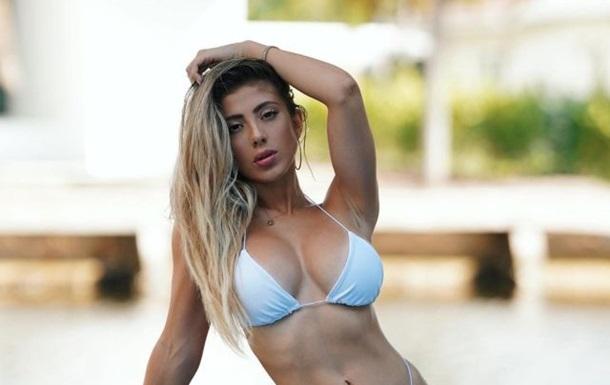 Модель Валерія Орсіні поділилася  спекотними  фото