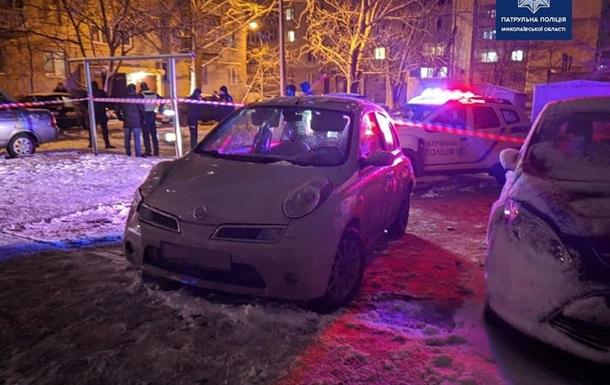 В Николаеве пьяный водитель сбил патрульную и пытался бежать с места ДТП