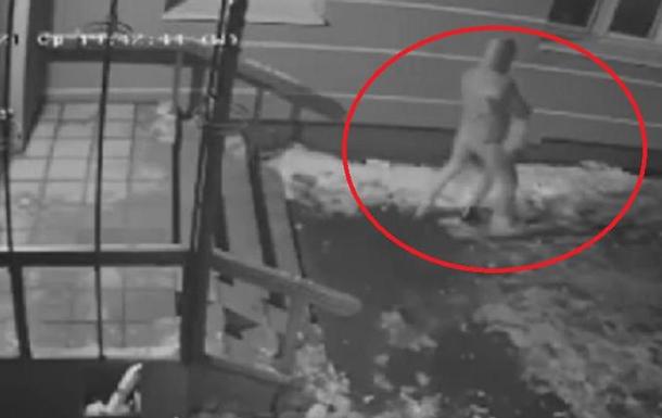 В Ровно женщина ограбила школьника
