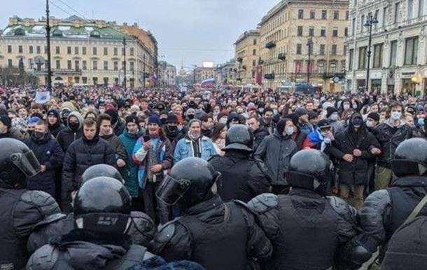 Протесты в России продолжаются