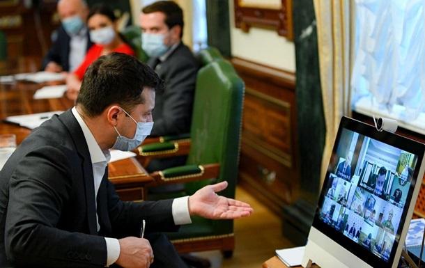 Зеленський ввів санкції проти нардепа і ТБ-каналів