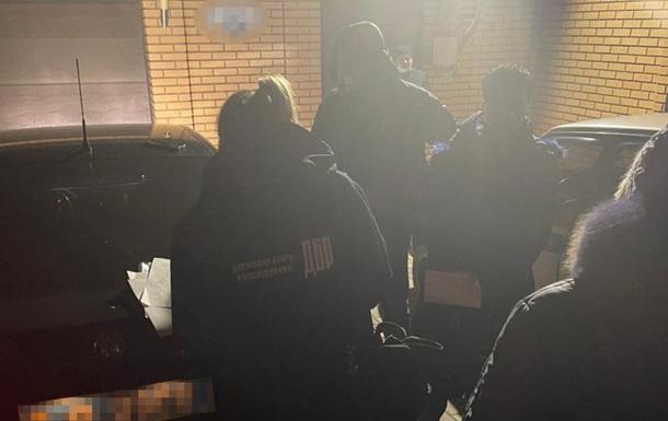 Бухгалтер полиции за  откаты  начисляла премии